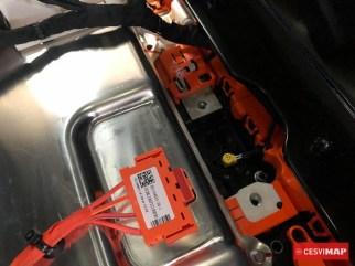 Ubicación del disyuntor pirotécnico de alta tensión en la batería de tracción.