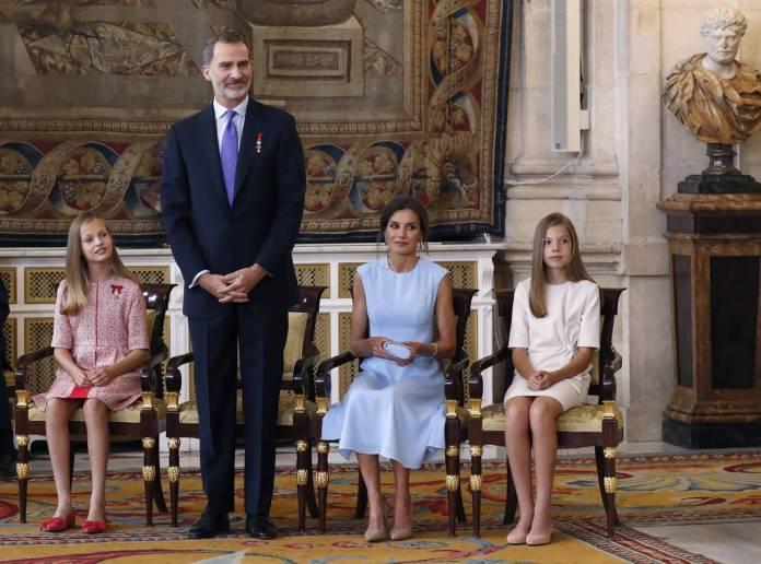 daughters, queen letizia, princess leonor, infanta sofia