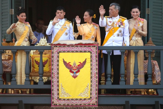the king of thailand and his haren