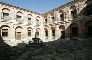 Patio del Monasterio de la Inmaculada Concepción de Loeches, Madrid