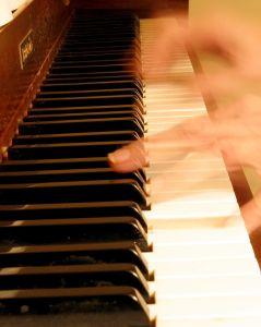 256353 fast piano, música