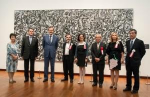 Con motivo de la inauguración del Año Dual España-Japón, el Museo Reina Sofía y Acción Cultural Española (AC/E) organizan una exposición que, bajo el nombre Dentro y fuera.
