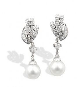 4 Suttons & Robertsons Pareja de pendientes de oro blanco, con brillantes y perlas australianas