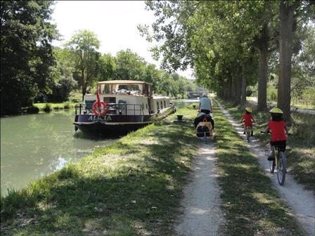 Le Canal de Bourgogne Sud à vélo en famille