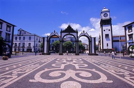 _portas_da_cidade_in_ponta_delgada_sao_miguel_island_azores_by_associacao_de_turismo_dos_acores_t09auh3c_50928045574fe