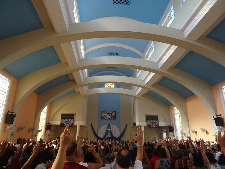 Culto en la Iglesia metodista universitaria del Vedado / Foto: El Estornudo