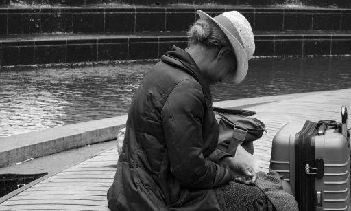 Ingeborg Portales. Entre soñadores y desconectados. In a Suitcase.