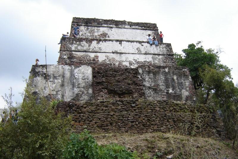Pirâmide Azteca do El Tepozteco.