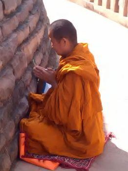 Monge budista no stupa de Sanchi