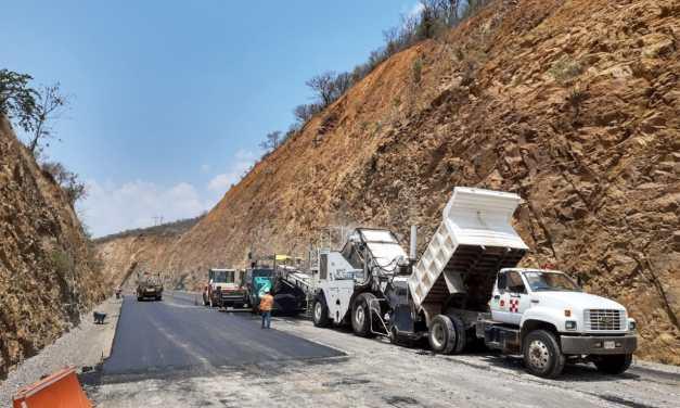 Avanzan los trabajos en la Autopista Barranca Larga-Ventanilla en Oaxaca