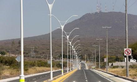 Entregan infraestructura vial en Corregidora, Querétaro