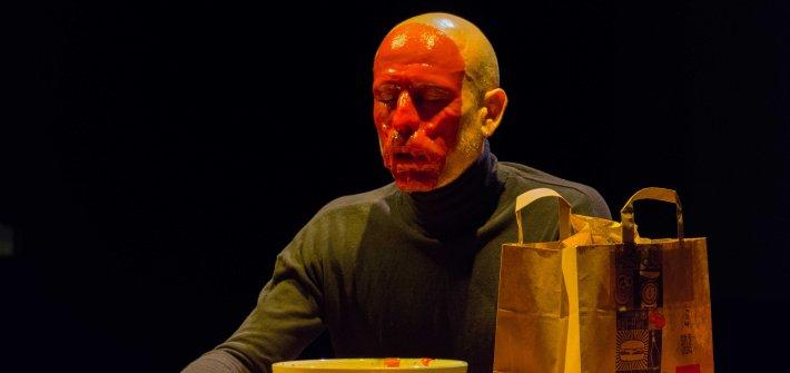 La Necesidad. Performance Sergio Muro