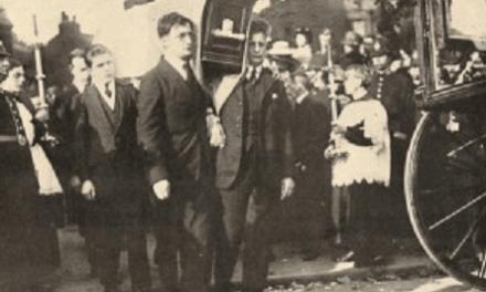 1920. Muerte de Terence MacSwiney durante la Guerra de Independencia irlandesa.