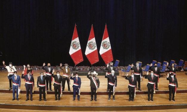 Cambios en el gabinete de Pedro Castillo. Entrevista al analista peruano Gustavo Espinoza