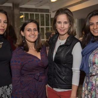 Isadora Lopes (blog My Dresscode), Mariana Queiroz, Isabella Lucas (blog Places 2) e Ariele Ribeiro