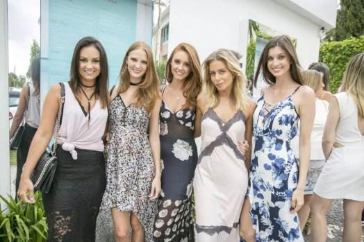 Luisa Pasinatto, Larissa Gadotti, Bruna Vieira, Vanessa Micheles e Luisa Rebello