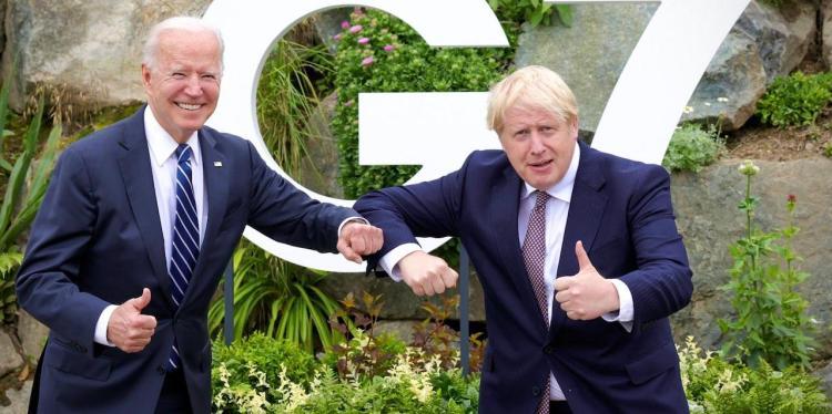 Joe Biden y Boris Johnson, cumbre presidencial del G7.