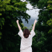 mujer de espaldas feliz - propósito