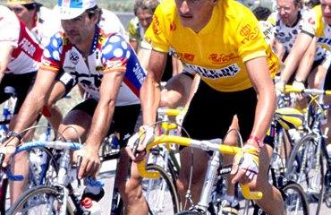 Lucho Herrera de amarillo que lo identificó como lider