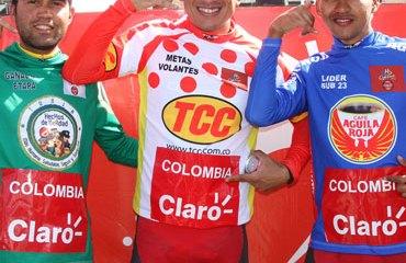 Camilo Gómez, Marlon Pérez y Ronald Gómez en el Clásico