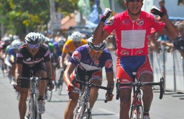 Pablo Mudarra repite victoria de etapa