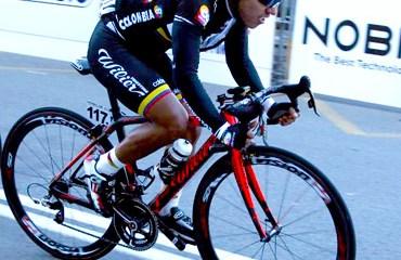 Edwin Ávila se logró meter en el top 10 de la jornada