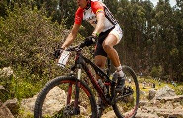 Wldy Sandoval (Specialized-Tugó) es líder en la categoría Júnior