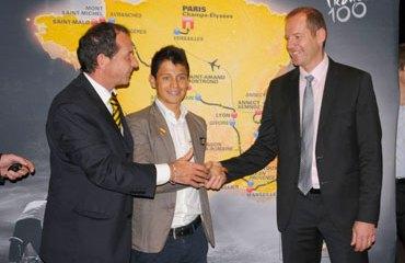 Claudio Corti junto a Christian Prudhomme, director del Tour