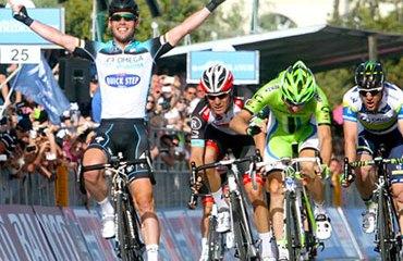 Cavendish fue el más rápido en la penúltima etapa en Italia