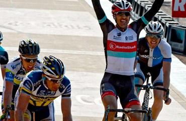 Cancellara consiguió su tercer triunfo en la París-Roubaix 2013