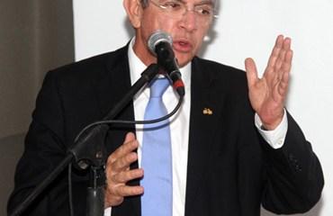 Ramiro Valencia Cossio, Presidente de la FCC