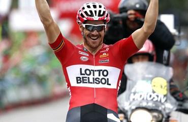 Hansen sorprendió a Degenkolb con un ataque desde lejos y ganó en Cangas do Morrazo
