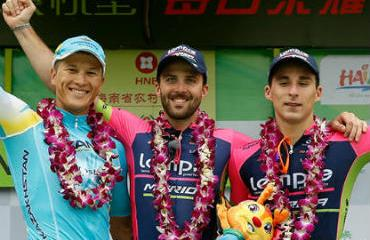 Tleubayeb, Palini y Bonifazio, los tres primeros en la quinta etapa.