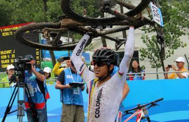 Brandon Rivera, oro en Juegos Olímpicos Juveniles Nanjing.