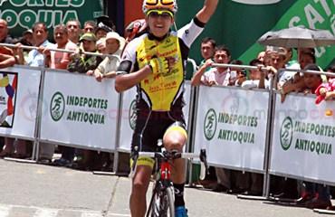 Richard Carapaz de la escuadra Strongman Campagnolo es el nuevo líder de la Vuelta de la Juventud