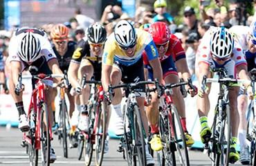 Cavendish se hizo con una cerrada victoria en la segunda etapa de la ronda californiana
