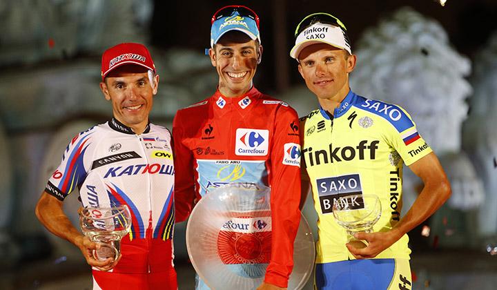 Fabio Aru (C) campeón de la Vuelta España 2015