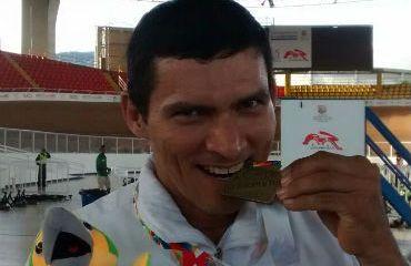 Álvaro Galvis trabaja fuerte para Campeonato Mundial de Paracycling en Italia