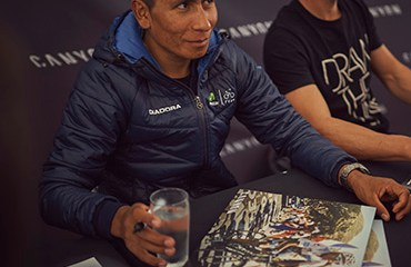 Quintana fue la sensación en su visita a la fabrica de su proveedor oficial de bicicletas, la multinacional alemana Canyon