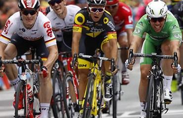 Cavendish le ganó un apretado sprint a Greipel y ya suma dos victorias en el Tour de Francia 2016