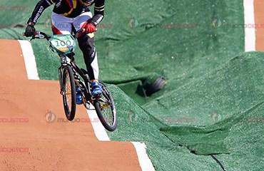 Mariana Pajón avanzó a la final del BMX olímpico tras una genial serie semifinal