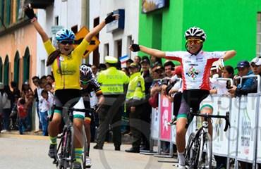 Erika Botero y Marcela Hernández dominaron la 3a jornada de la Vuelta al Futur