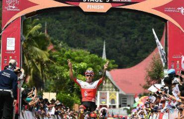 Jonathan Monsalve ganador de quinta etapa