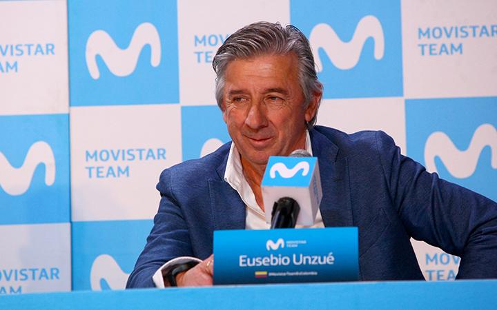 Eusebio Unzué acompañó a Nairo Quintana en la Rueda de Prensa ofrecida este viernes en Bogotá