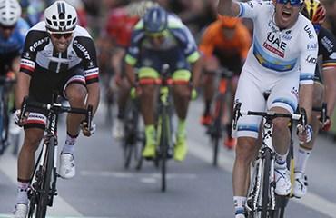 Kristoff se alzó con el triunfó tras una equivocación en la llegada del Misil de La Ceja, Fernando Gaviria