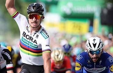 Sagan le ganó este domingo el primer duelo de sprinters a Fernando Gaviria en la Vuelta a Suiza