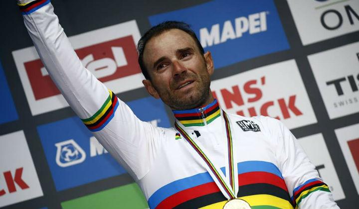 Alejandro Valverde después de varios intentos ve cumplido su sueño de convertirse en campeón mundial de ruta (Foto Movistar)