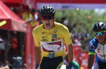El peruano Alonso Gamero obtuvo segundo triunfo en línea y se afianza en liderato de Vuelta a Guatemala (Foto Vuelta a Guatemala)