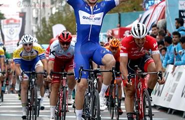 Álvaro Hodeg alcanzó su quinta victoria en el WT tras una sensacional actuación en el sprint final de la 5ta Etapa del Tour de Turquía 2018