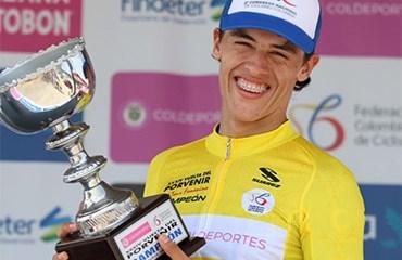 Daniel Arroyave se quedó con el trofeo de campeón general de la Vuelta del Porvenir 2018